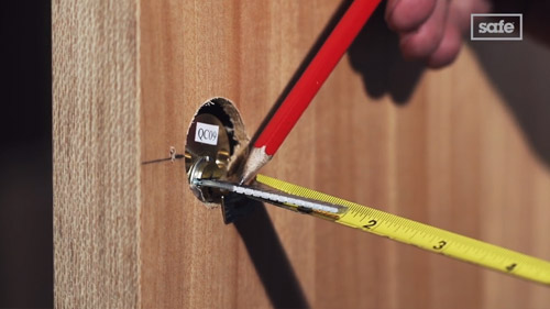 How to fit a Nightlatch