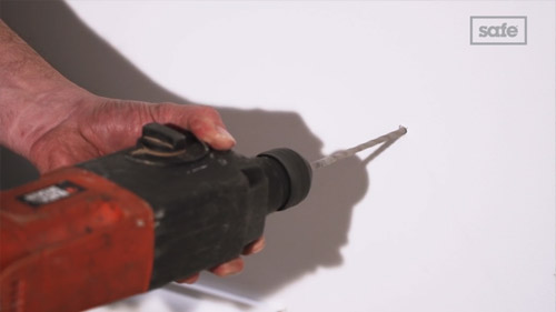 How to install a safe to the wall