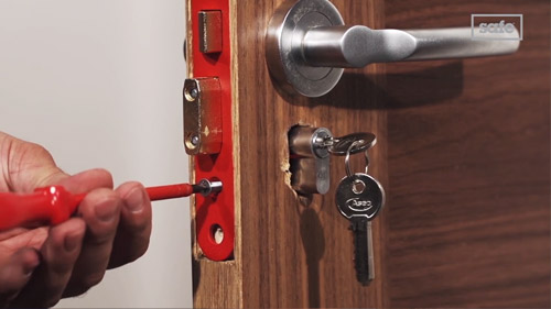 How to replace a Sashlock